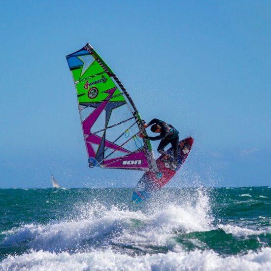 Jump on the windurfing